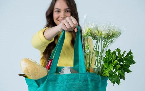 Plastic bag ban raises debate