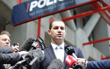 Jami-Lee Ross lodges formal complaint against Simon Bridges