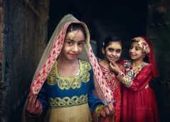 Global Photography Award extols National Costumes