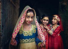 Global Photography Award extols National Costumes