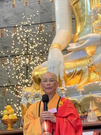 Buddhists pray for safety of Australians amidst bushfires