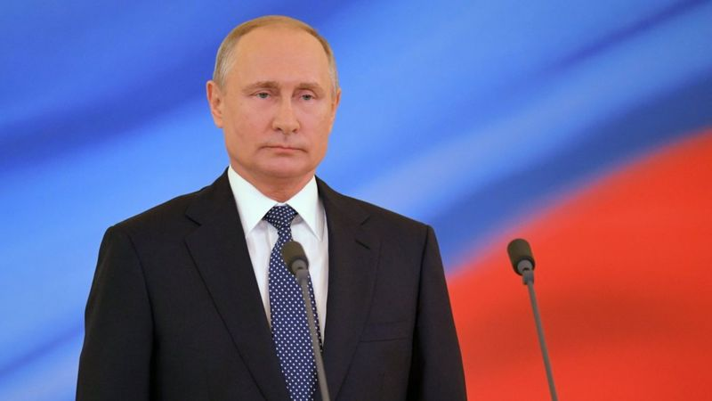 Russian Cabinet resigns as Grand Master Putin consolidates power