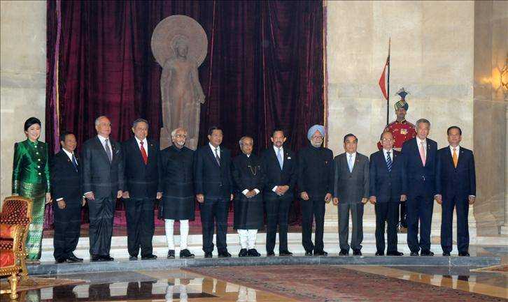 India signs 'selective' free trade pact with ASEAN