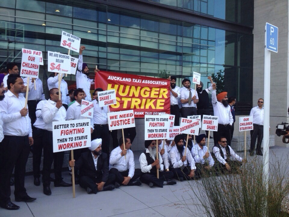Airport taxi drivers call off hunger strike