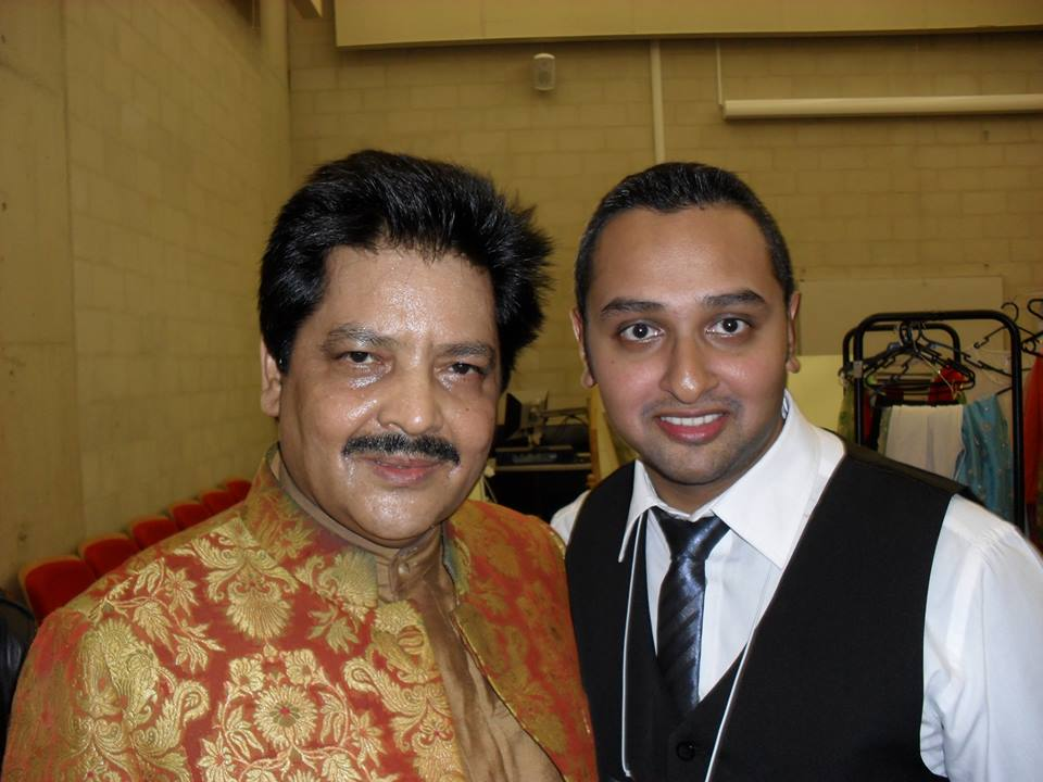 Udit Narayan steals the thunder in Australia