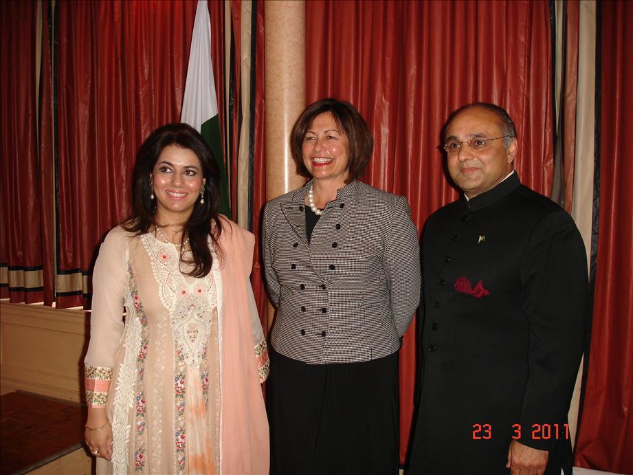 Minister extols Pakistani community